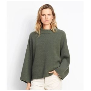 VINCE Oversized Raglan Sage Green Boxy Sweater, XS